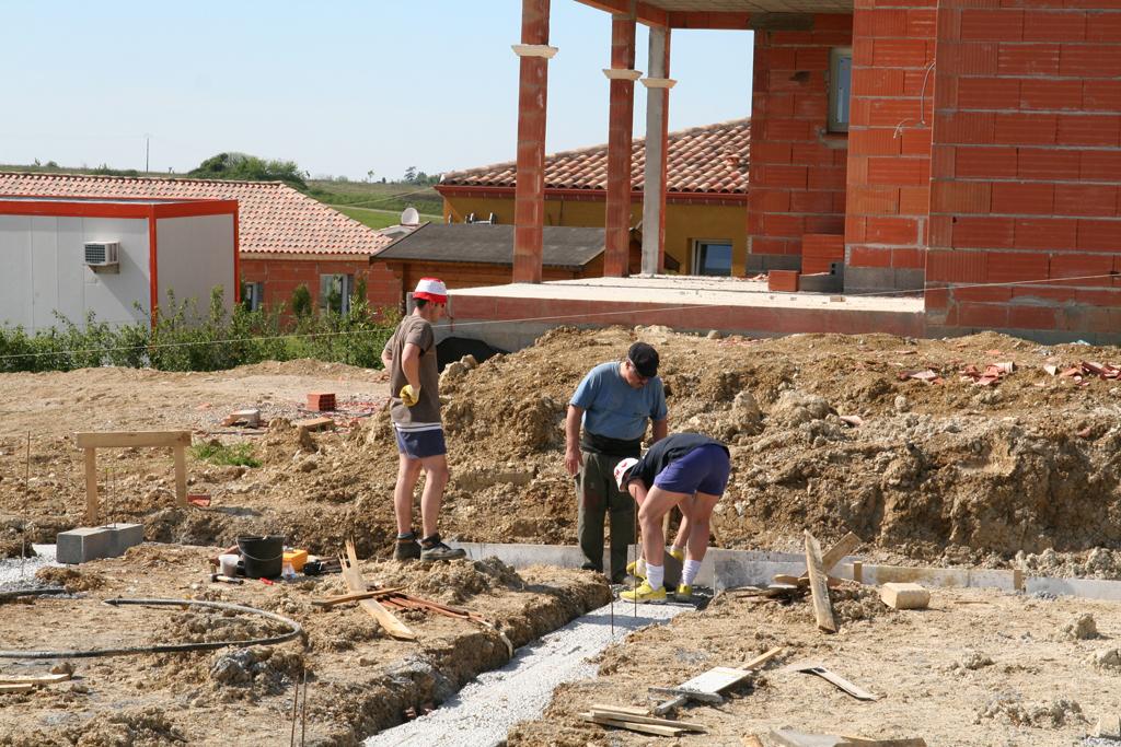 Notre maison en beton cellulaire 3 vide sanitaire - Maison en beton cellulaire ...