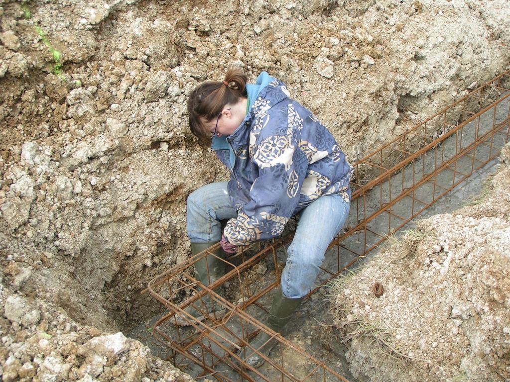 Notre maison en beton cellulaire 2 fondations - Coffrage baignoire beton cellulaire ...